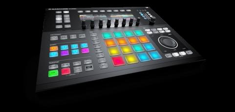 """Mesas controladoras: el """"must"""" de los DJ del siglo XXI"""