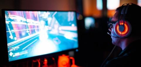 Altavoces, barras y auriculares: ¿sabes ya cómo lograr un sonido explosivo en tus juegos?