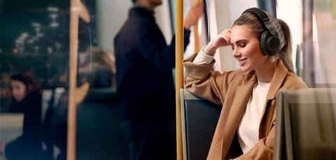 Auriculares que aguantan tu ritmo de vida: una carga para toda la semana