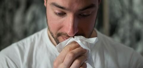 Cómo combatir las alergias más comunes: así ayuda un robot aspirador