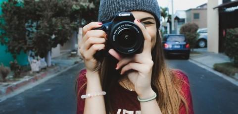 ¿Sueñas con ser travel vlogger? Esto es todo lo que necesitas para iniciarte y poner en marcha tu propio canal
