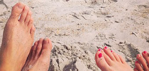 Vacaciones en la playa: ¿qué tecnología es resistente al agua y la arena?