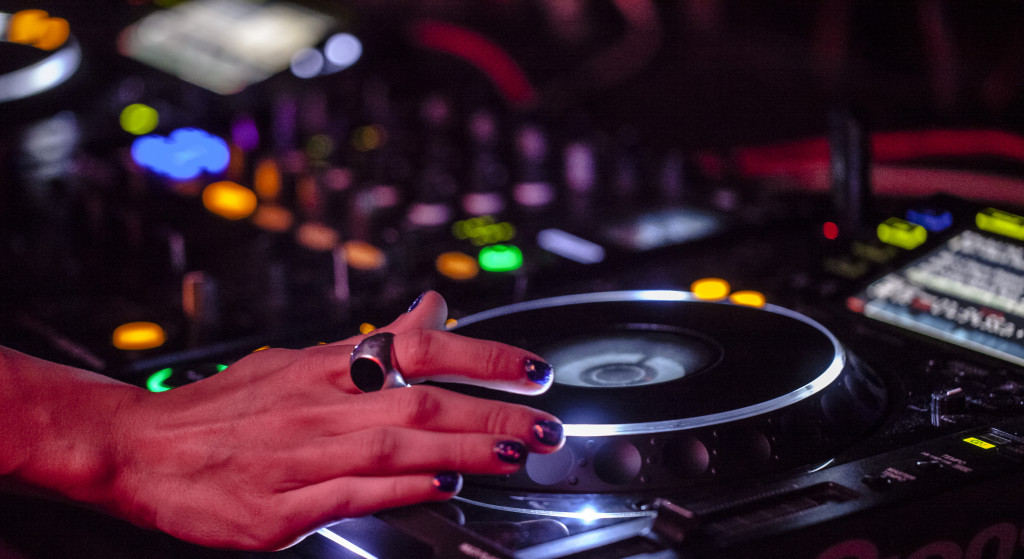 Indira DJ