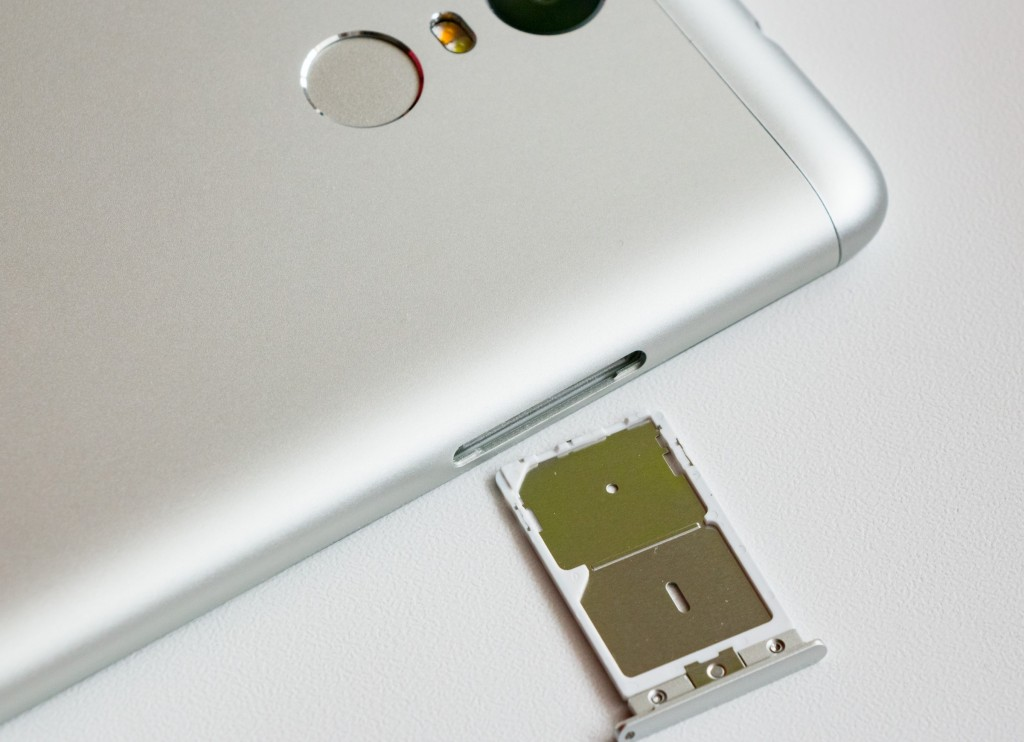 Xiaomi_Redmi_Note_3_dual_SIM_card_tray (1)