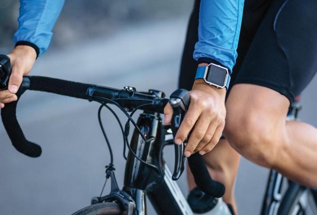 fitbit-smartwatch-1024x694