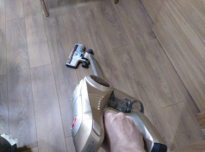 aspiradora de mano giro de muneca